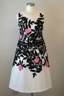 mekko-marimekon-ruusupuusta